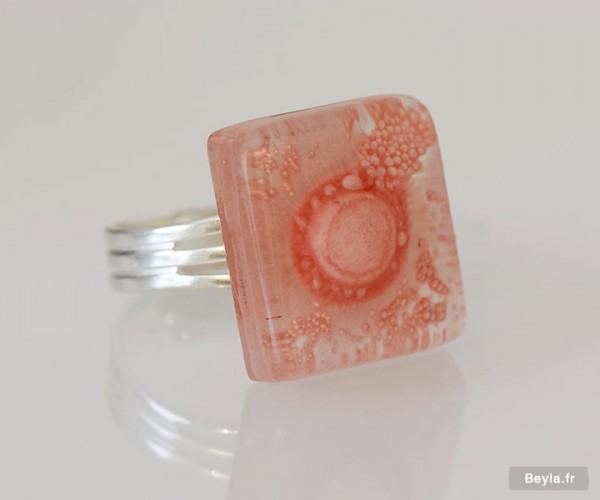 Bague petit carré en verre - rose